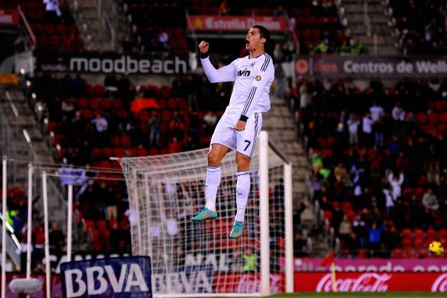 GIF: Fans Fruitlessly Attempt to Jump as High as Cristiano Ronaldo