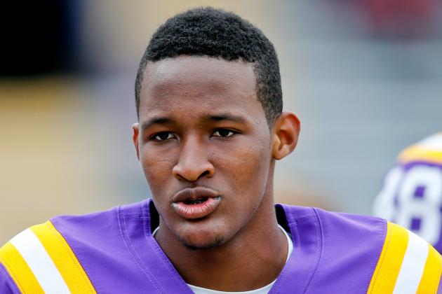 LSU QB Harris to Train in California in May; Grimes Salary Revealed