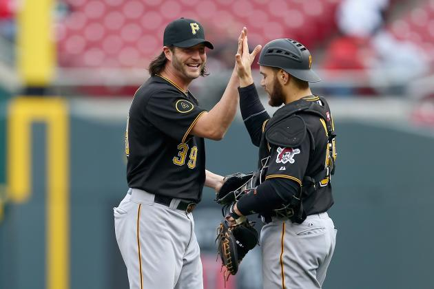 Pirates Beat Reds 8-7 in Suspended Game