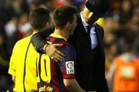 Cristiano Ronaldo Comforts Lionel Messi After Real Madrid's Copa Del Rey Win