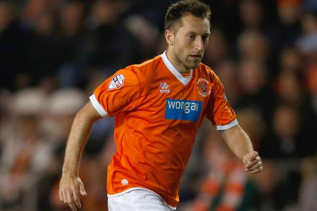 Blackpool's Bob Malcolm Sent off for Striking Player Stephen Dobbie