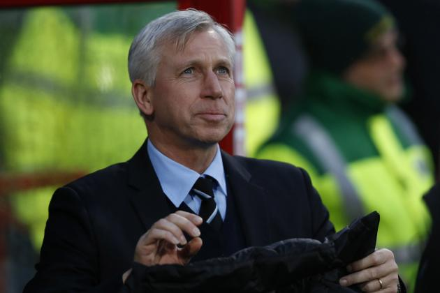 Alan Pardew Must Revert to 4-3-3 with Newcastle United