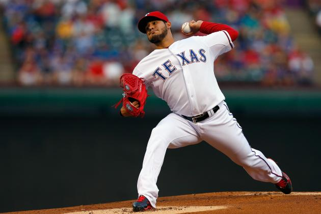 Rangers Top White Sox 12-0 in Perez's 1st Shutout