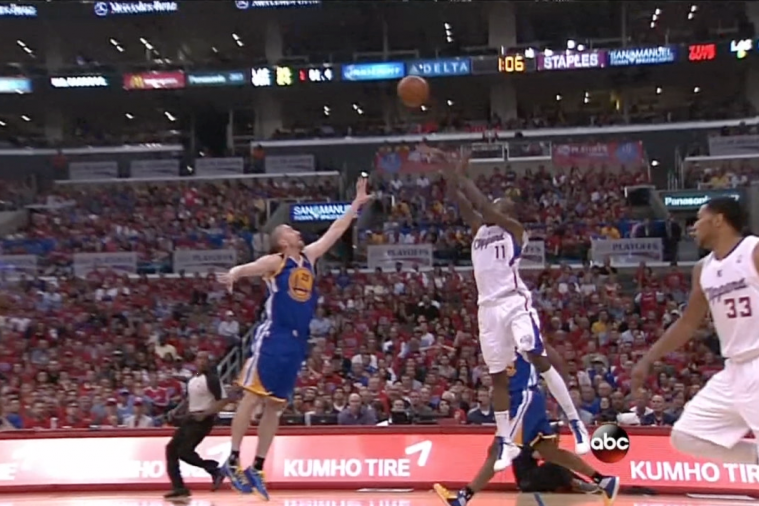 Clippers' Jamal Crawford Banks in Buzzer Beater to End 1st Quarter vs. Warriors