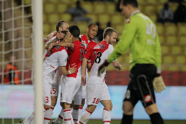 Dimitar Berbatov Scores Sublime Lob for Monaco vs. Nice