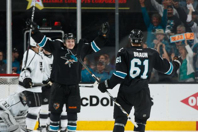 Sharks don't waver after falling behind early in Game 2