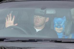 Wayne Rooney Arrives with Batman for Manchester United Training as Moyes Axed