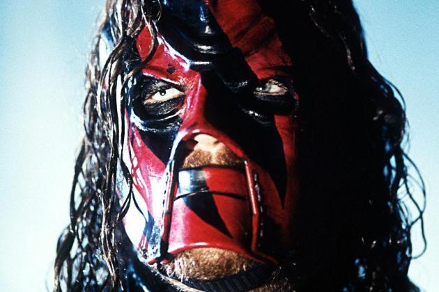 Kane's Return to Old Gimmick Makes Daniel Bryan Match a Compelling One