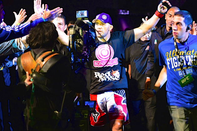 Glover Teixeira at Ease with Drug Testing, Plans to 'Slaughter' Jones at UFC 172