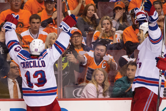 Dan Carcillo Stares Down Flyers Fans, Receives Double Birds in Return