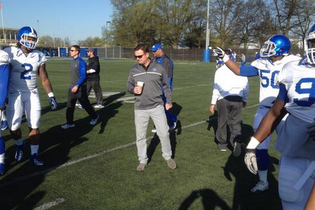 Photo: Bob Stoops Wearing Kentucky Gear to Support Brother Mark