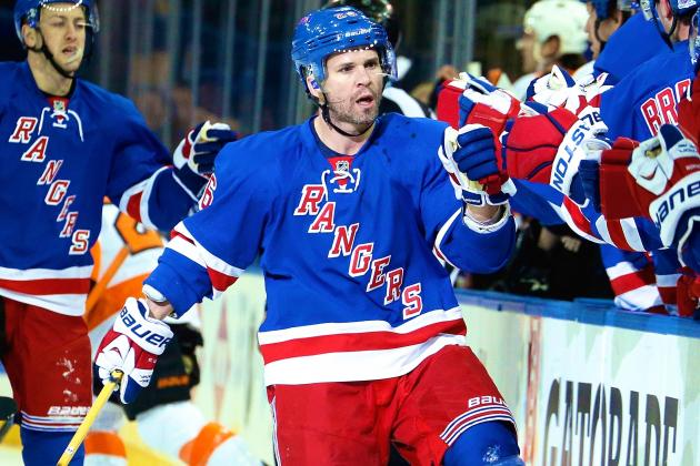 New York Rangers' Martin St. Louis Leading in Ways Ryan Callahan Couldn't
