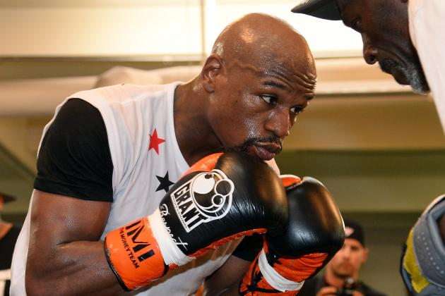 Floyd Mayweather's Key to Sustained Success Is Improved Defensive Strategy
