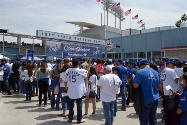 Los Angeles Dodgers: TV Standoff Is Dangerously Disillusioning Fans