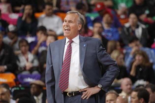 Report: Los Angeles Lakers Resisting Picking Up Mike D'Antoni's 2015-16 Option