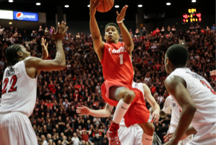 Former New Mexico Guard Cleveland Thomas Transfers to Hartford