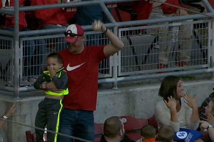 Father Makes Nice 1-Handed Catch on Foul Ball While Holding Son
