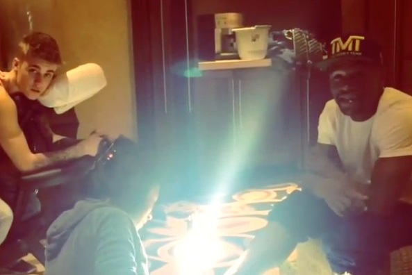 Floyd Mayweather Jr. and Justin Bieber Hit the Spa for Massages and Pedicures