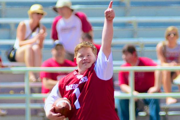How Arkansas Fan Canaan Sandy Became a Spring Game Sensation