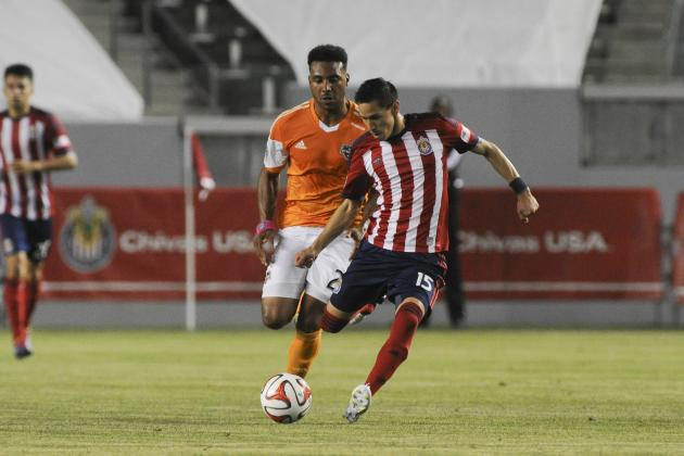 Barnes Leads Dynamo Past Chivas USA