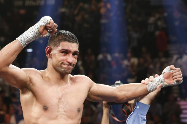 Amir Khan Says He Sees Weakness and Decline in Floyd Mayweather's Game