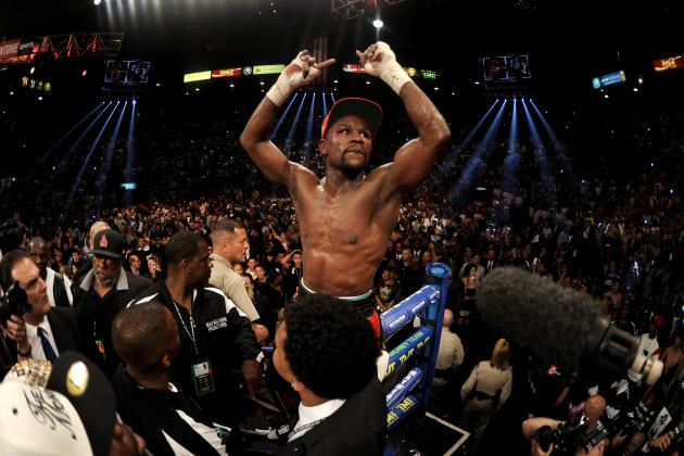Floyd Mayweather Proves He's Still King of the Sport