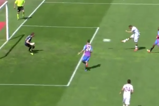 GIF: Francesco Totti Scores, Attempts to Hold off Juve Parade