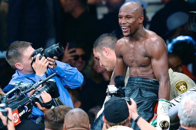 Why Not Now for Mayweather-Pacquiao After Floyd Struggles in Maidana Brawl?