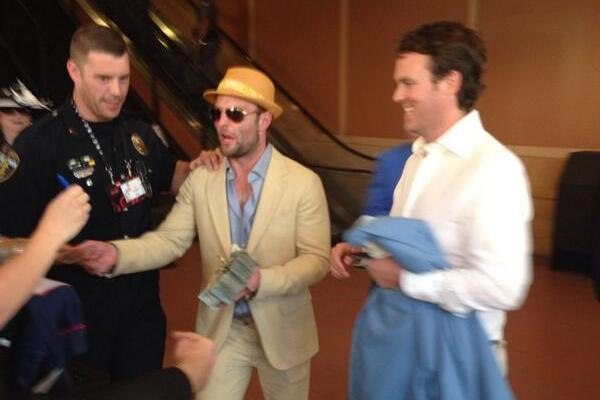 Wes Welker Handed Out $100 Bills to Random Fans at the Kentucky Derby