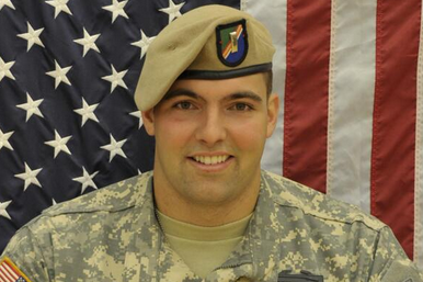 US Army Ranger Alejandro Villanueva Signs Contract with Philadelphia Eagles