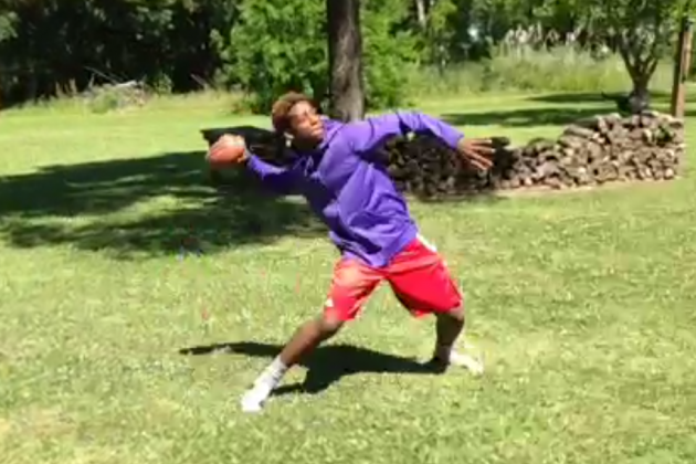 HS Football Recruit Gary Haynes Throws Himself a Hail Mary in Crafty Vine