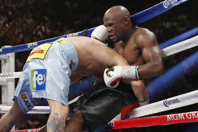 Floyd Mayweather Risks Suffering First Career Loss Against Heavier Opponent