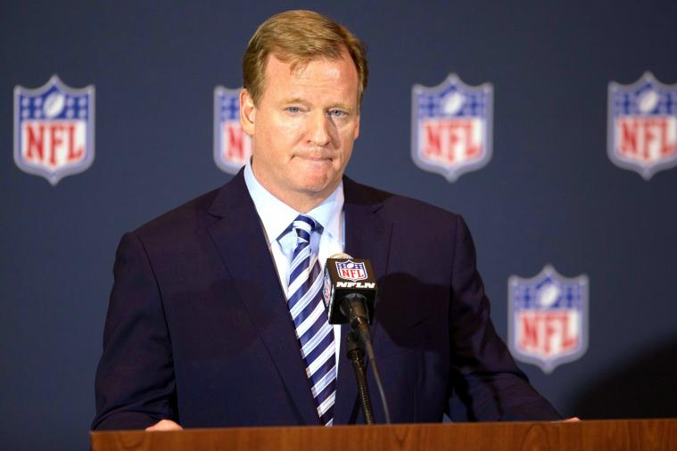 Terrible Questions Pour in During Roger Goodell's #AskCommish Twitter Q&A