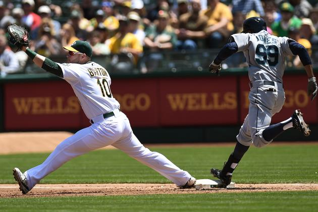 Mariners Beat A's 6-4 in 10 Innings to Open DH
