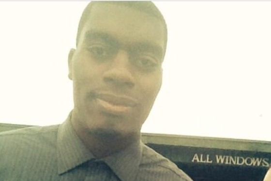 12 Year Old Takes the Best Dakari Johnson Selfie Ever