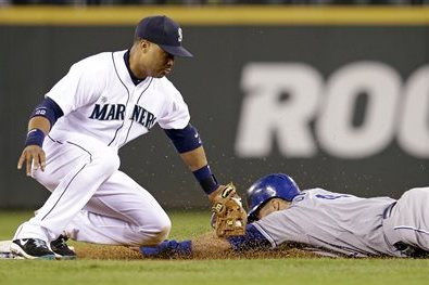 Iwakuma Pitches Mariners to 1-0 Win over Royals