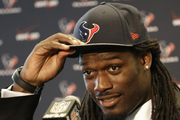 Jadeveon Clowney Will Struggle to Meet Lofty Expectations with Texans