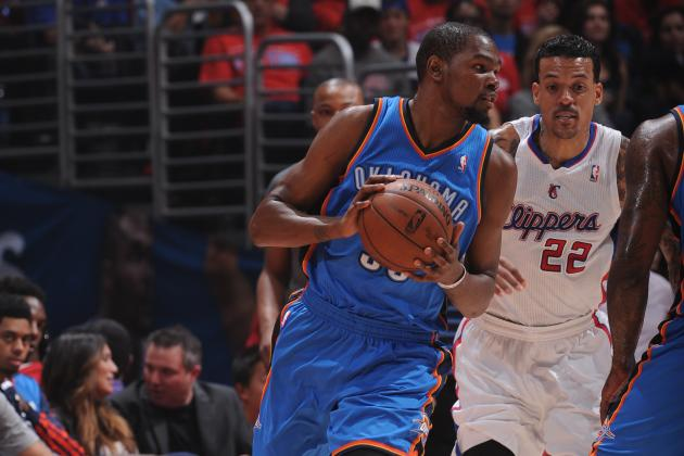 Kevin Durant Crosses over Jared Dudley in Game 3 Against LA Clippers