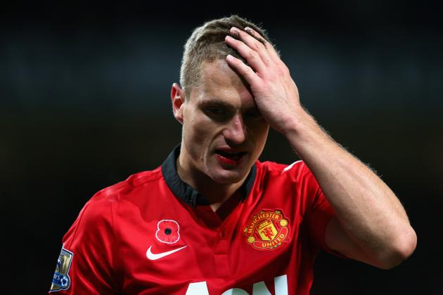 Nemanja Vidic's Face Bloodied During Manchester United's Match vs. Southampton