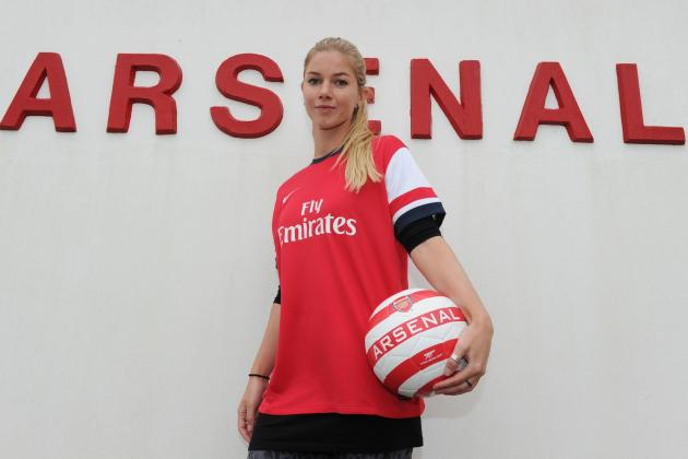 Anouk Hoogendijk Exclusive: Arsenal Ladies Star Talks Bergkamp, World Cup & More