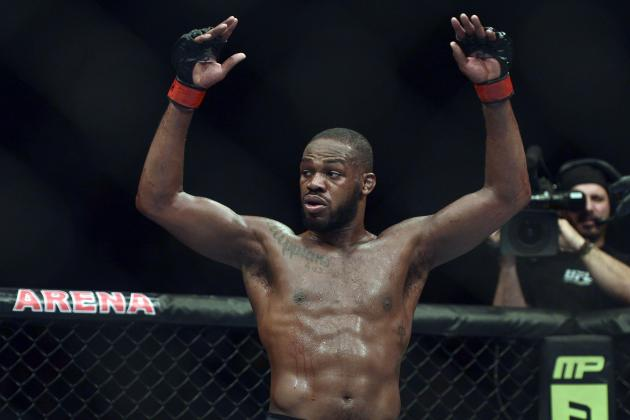 Daniel Cormier Thinks Jon Jones Should Go '100 Percent Floyd Mayweather Jr'