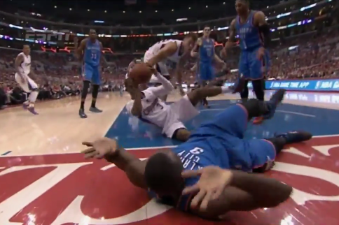 Chris Paul Falls, Grabs Rebound from the Ground, Makes Heads-Up Play