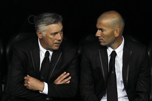 Carlo Ancelotti Urges Zinedine Zidane to Stay at Real Madrid Amid Monaco Rumours