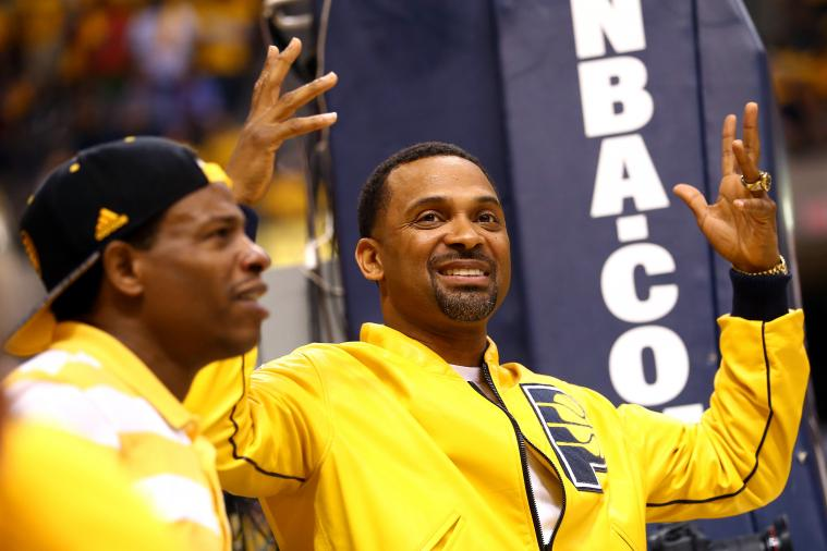 Comedian Mike Epps Claimed to Be at Heat-Pacers, but Tweeted out the Wrong Photo