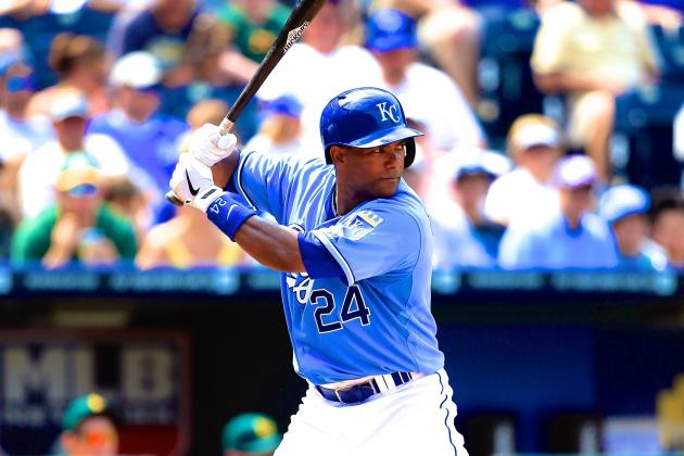Miguel Tejada Agrees to Minor League Deal with Miami Marlins