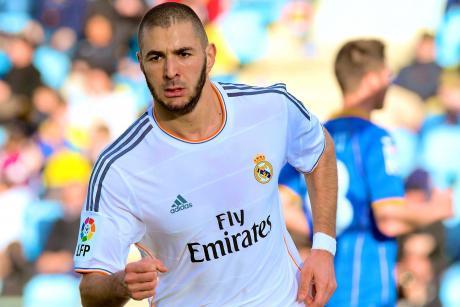 Arsenal Transfer News: Karim Benzema, Andres Iniesta Lead Giant Summer Plan