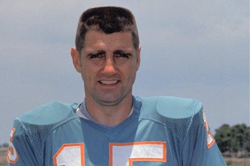 Former Dolphins QB Morrall Remembered at Memorial