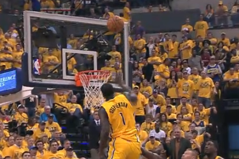 Pacers' Lance Stephenson Hits Halftime Buzzer Beater with 0.1 Seconds Remaining