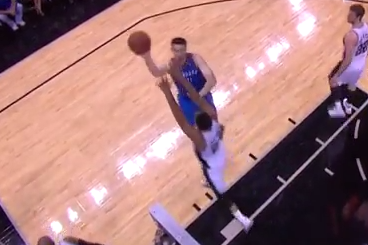 Nick Collison Completes 0.1-Second Inbounds Play to Beat Shot Clock in Game 2