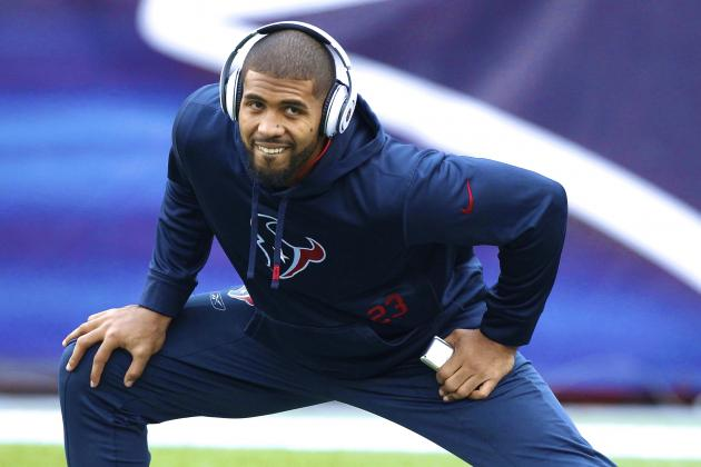 Arian Foster Trolls the World's Cat Lovers with a Series of Amazing Tweets